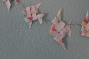 Basteln Mit Papierstreifen So Bastelst Du Eine Fischgirlandewelt