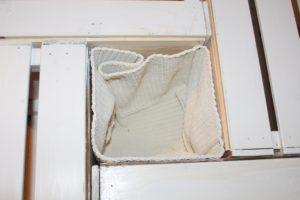 kinder spieltisch aus alten obstkisten selber bauen welt der kinderknete. Black Bedroom Furniture Sets. Home Design Ideas
